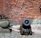 A mortar and a stone cannonball